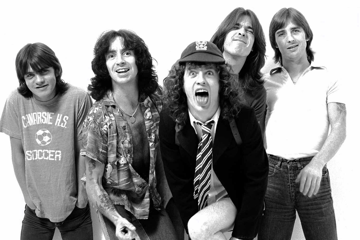 "StoryTeller: ""AC/DC - You Shook Me All Night Long"""