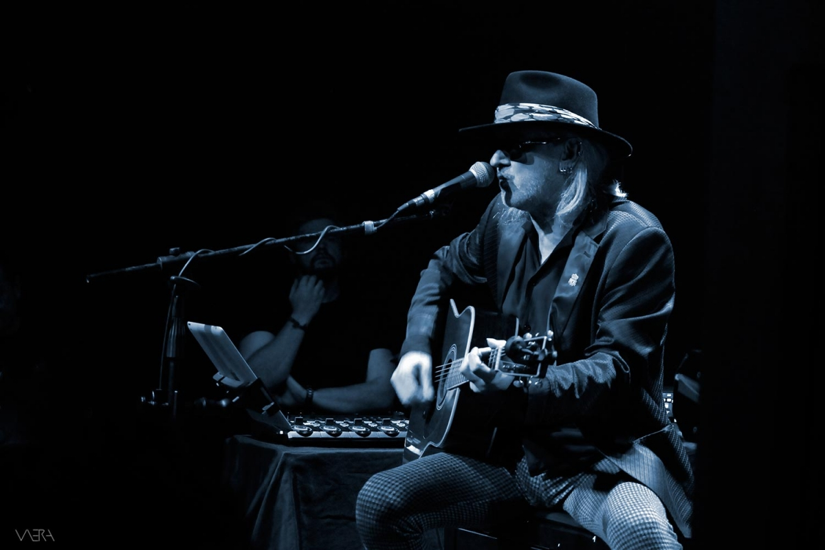 Wayne Hussey (The Mission) acoustic show / Phoebus Water LIVE @ Second Skin Club, 19/10/2019