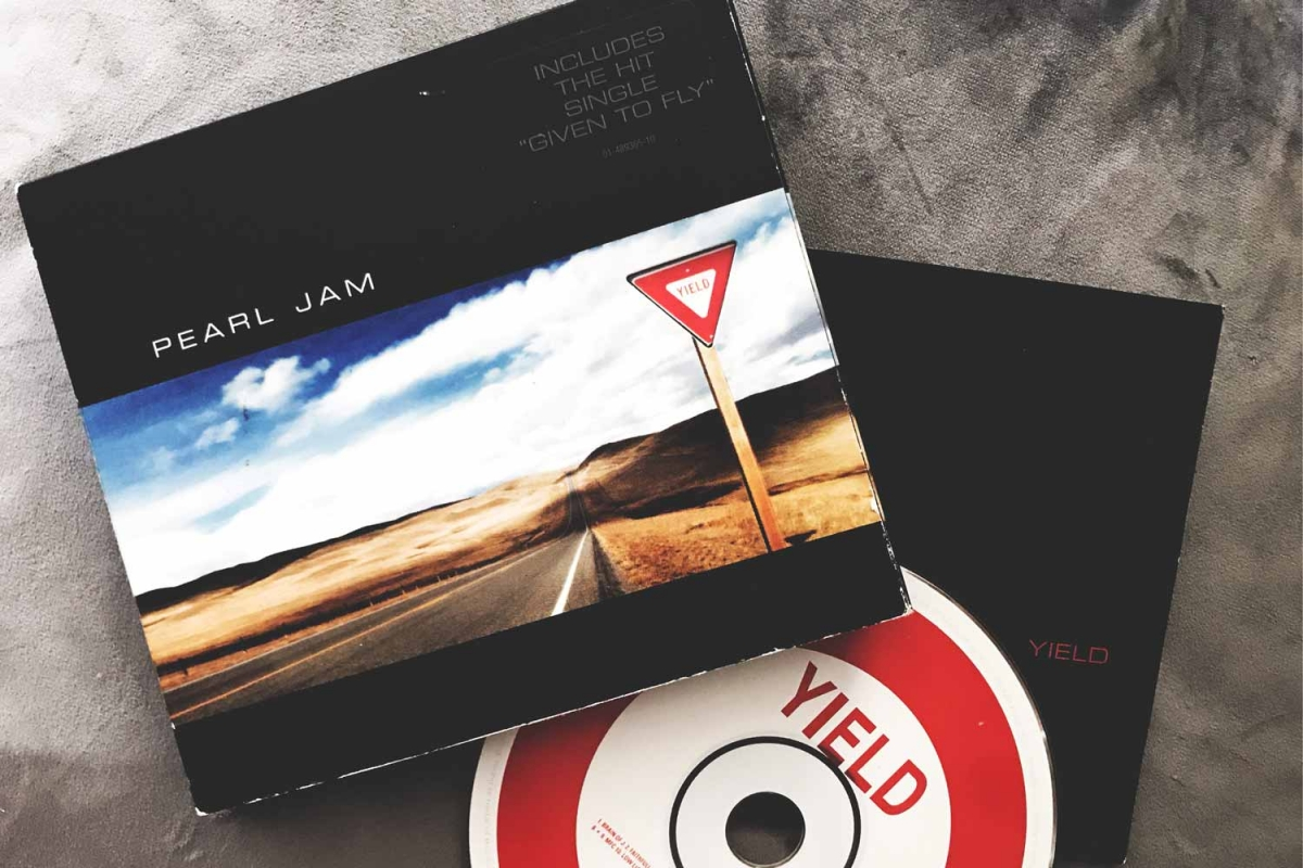 Pearl Jam - Yield (Epic Records, 1998)